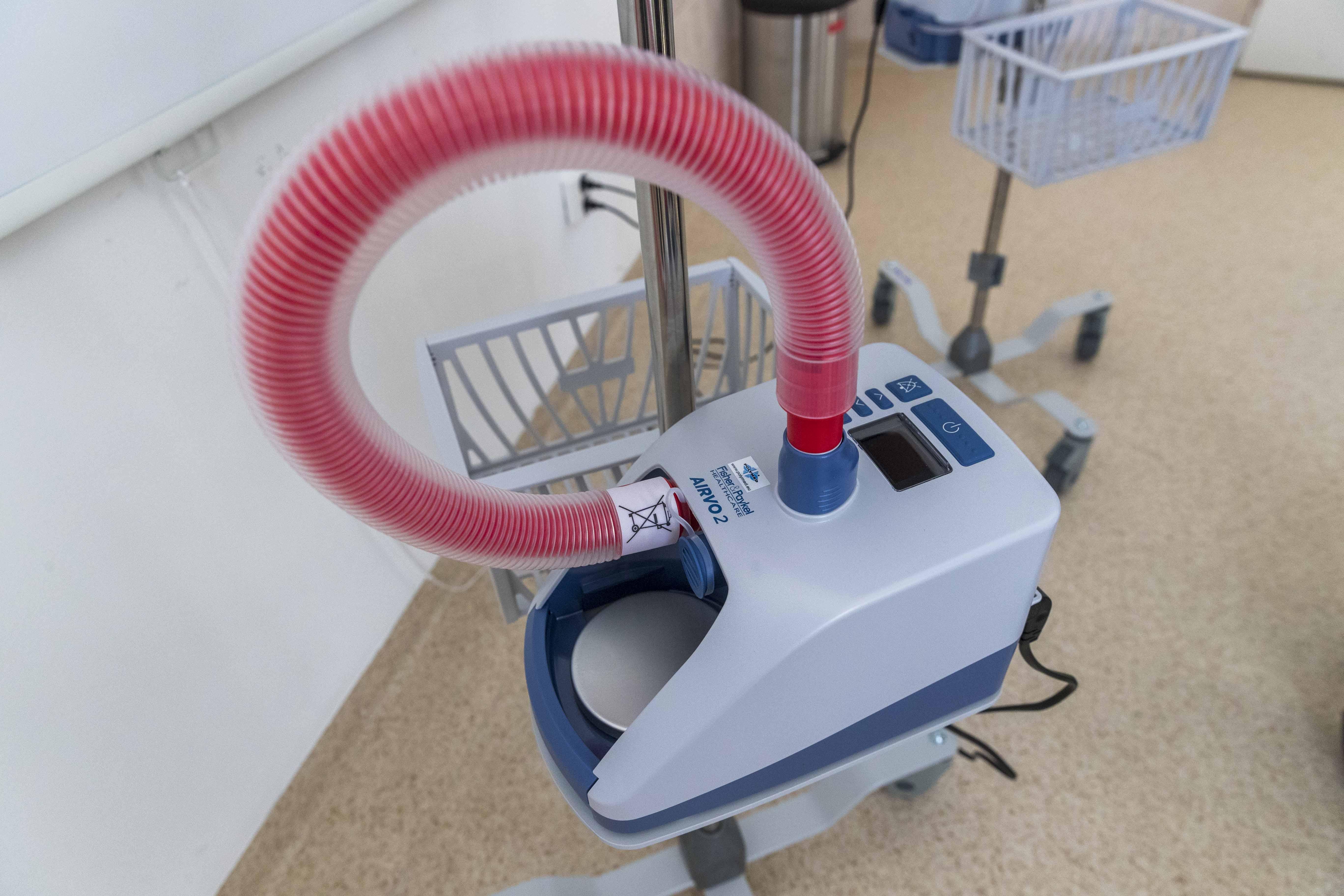 Önkéntes gyűjtés - légzést segítő gép átadása 2